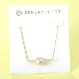 New Kendra Scott Emberly Gold Pearl Necklace